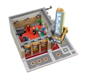 Dalamnya mulai diisi lengkap, tidak seperti modular sebelumnya yang minim isinya