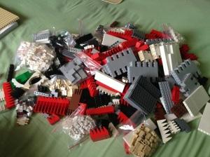 Nah ini lah semua LEGO Brick Parts yang dikumpulkan untuk membuat MOC Gereja