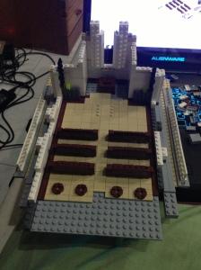 1,5 jam untuk membuat bangunan tembok samping, lantai dan tempat duduknya.