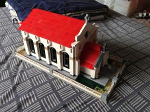 ya inilah hasil pengerjaan 12 jam non stop. MOC Gereja untuk LEGO city saya.