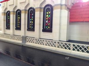 Bagian jendela yang sangat saya sukai karena sesuai dengan harapan saya dan mirip dengan jendela Gereja yang sebenarnya.