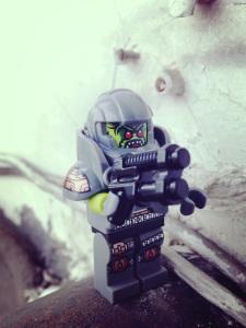 Alien lagi menjajah bumi :)