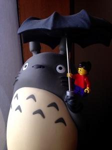 ehh ada yang nebeng sama Totoro :)