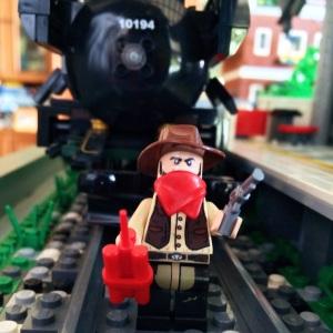 Waaa ada yang mau rampok kereta api nihh :)