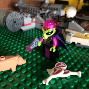 alien-nya lagi rubah babi jadi porkchop nih :)