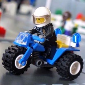 Motor polisinya keren yahh :)