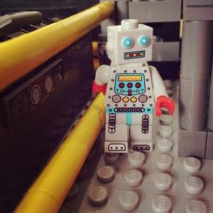 Bantuin nih robotnya nyasarr :)