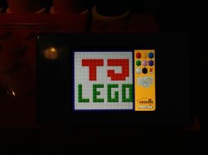 Sebelum ke area berikutnya ada monitor bisa buat apa aja dari LEGO Bricks, saya buat nama blog saya; TJ LEGO :)