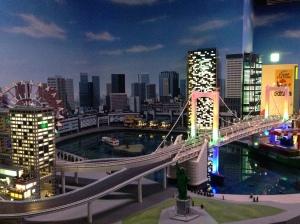 Nahh ini bagian yang paling seru buat para AFOL. Miniatur Tokyo dari LEGO :)