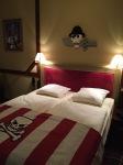 Nah ini lah kamar tema Pirates, tempat tidurnya bagus dan ada LEGO tengkorak diatasnya :)
